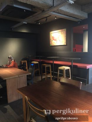 Foto 5 - Interior di Tanamera Coffee Roastery oleh feedthecat