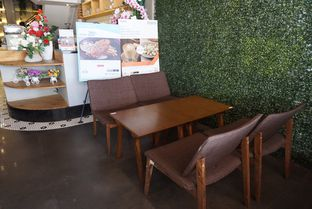 Foto 6 - Interior di Agenda Coffee Bistro oleh eatwerks