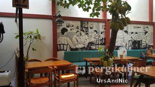 Foto 4 - Interior di Terroir Coffee & Eat oleh UrsAndNic