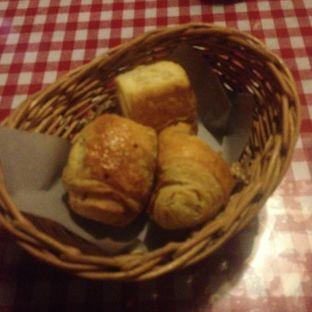 Foto 1 - Makanan di Tizi's Cakeshop & Resto oleh Dianty Dwi