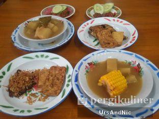 Foto 3 - Makanan(Paket riang gembira hatipun senang 3 & 4) di Warung Mak Dower oleh UrsAndNic