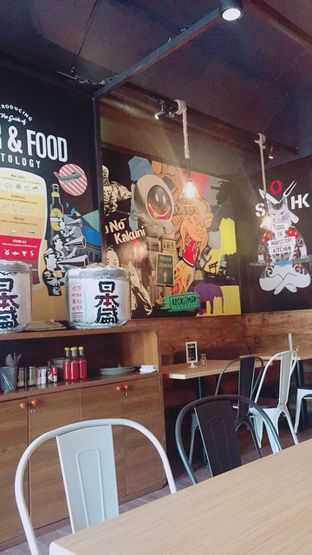 Foto 4 - Interior di SOHK! Soul Of Hardcore Kitchen oleh perutkarets