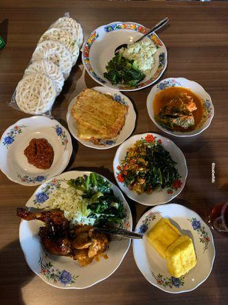 Foto Makanan di Warung Misbar