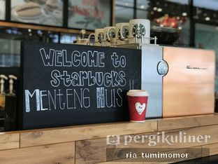 Foto 2 - Interior di Starbucks Coffee oleh riamrt