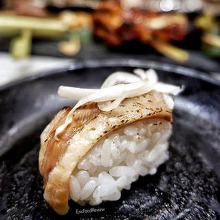 Foto 3 - Makanan(Roasted Salmon Skin with Butter and Blackpepper) di Itacho Sushi oleh Eric  @ericfoodreview