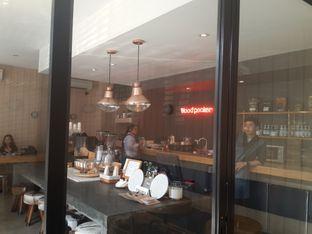 Foto 2 - Interior di Woodpecker Coffee oleh @stelmaris