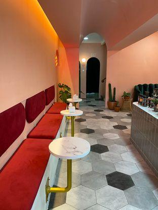 Foto 7 - Interior di Deja Coffee & Pastry oleh Jeljel