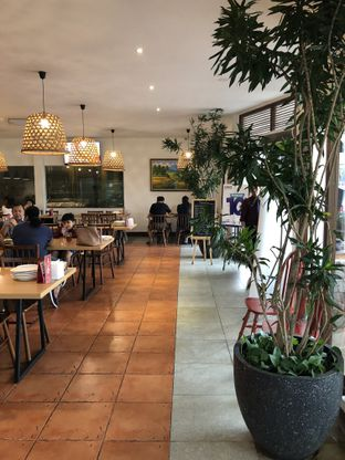 Foto 8 - Interior di Oma Seafood oleh @Sibungbung