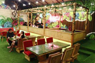 Foto 8 - Interior di Seca Semi Cafe oleh Novita Purnamasari