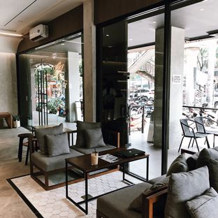 Foto 5 - Interior di Stork Food and Coffee oleh Della Ayu