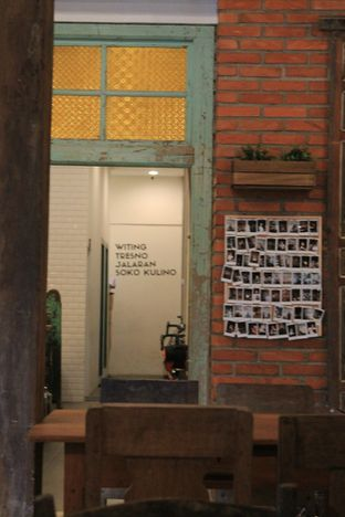 Foto 24 - Interior di Ragil Coffee & Roastery oleh Prido ZH