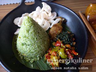 Foto 8 - Makanan(Nasi Ijo Royo-Royo) di Aromanis oleh @NonikJajan