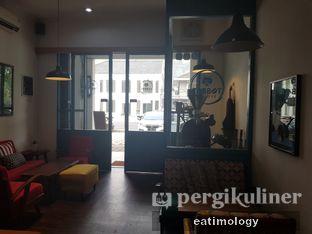 Foto 2 - Interior di Tabbot Koffie oleh EATIMOLOGY Rafika & Alfin