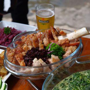 Foto review Die Stube Germany Resto & Bar oleh Yessica Angkawijaya 3