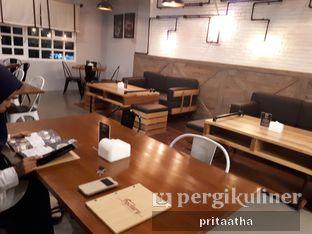 Foto 4 - Interior di Bernardi The Factory Shop & Resto oleh Prita Hayuning Dias