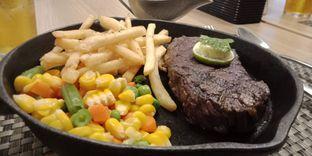 Foto 3 - Makanan(AUS sirloin steak (IDR 180k)) di Maison Tatsuya oleh Renodaneswara @caesarinodswr