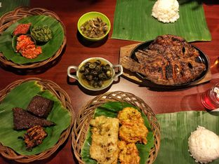 Foto 3 - Makanan di Alas Daun oleh Fadhlur Rohman