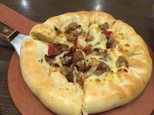 Foto 1 - Makanan di Pizza Hut oleh Theodora