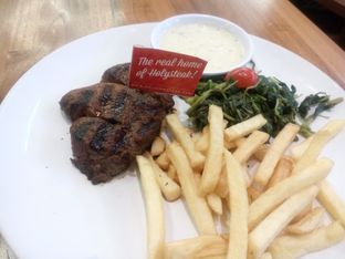 Foto review Steak Hotel by Holycow! oleh Wewe Coco 1