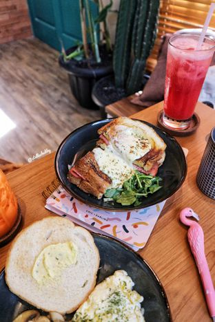 Foto 2 - Makanan(Croque monsieur) di Bakesmith oleh Stellachubby