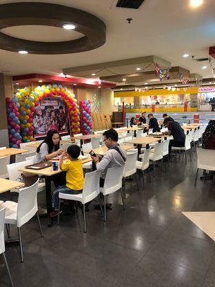 Foto 7 - Interior di KFC oleh Riani Rin