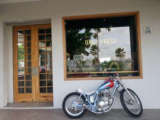 Foto 9 - Interior di Daily Press Coffee oleh yudistira ishak abrar