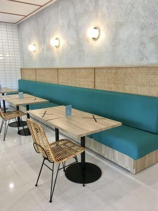 Foto 11 - Interior di Dailydose Coffee & Eatery oleh Prido ZH
