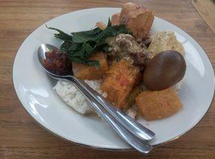 Foto 2 - Makanan di Gudeg Yu Nap oleh Emir Khaerul