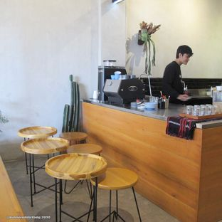 Foto 3 - Interior di Makmur Jaya Coffee Roaster oleh Kuliner Addict Bandung