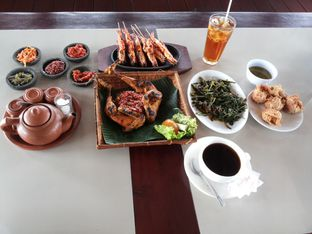 Foto 8 - Makanan di Talaga Sampireun oleh Yutrisko