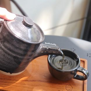 Foto 2 - Makanan(Spring blossom tea) di Simetri Coffee Roasters oleh Stellachubby