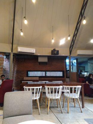 Foto review Roemah Coffee Eatery & Hub oleh yukjalanjajan  4