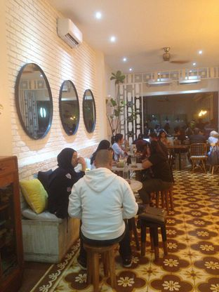 Foto 2 - Interior di Pigeon Hole Coffee oleh Annisa Putri Nur Bahri