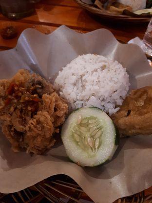 Foto 1 - Makanan di Ayam Goreng Nelongso oleh Citra Dewi