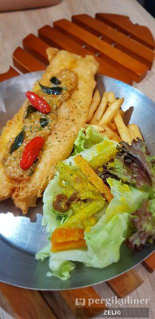 Foto 3 - Makanan di Fish & Co. oleh @teddyzelig