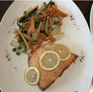 Foto 1 - Makanan(Oven Baked Salmon) di La Posta - Taste Of Argentine oleh Eat Whale