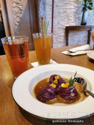 Foto 3 - Makanan(es sereh & putu mayang ube) di Putu Made oleh Patsyy