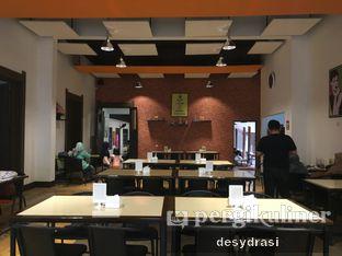 Foto 4 - Interior di Jumbo Eatery oleh Desy Mustika