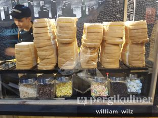 Foto 6 - Interior di D'Savor Cafe oleh William Wilz