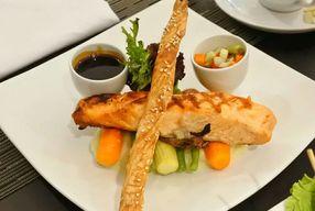 Foto Wood Restoran - Hotel Golden Tulip Passer Baroe