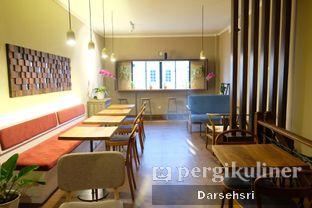 Foto 12 - Interior di Kama Coffee & Co oleh Darsehsri Handayani