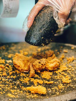 Foto 1 - Makanan di Geprek Gold Chick oleh Riani Rin