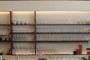Foto 10 - Interior di Routine Coffee & Eatery oleh Prido ZH