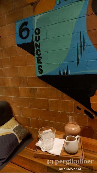 Foto 5 - Interior di Six Ounces Coffee oleh Mich Love Eat