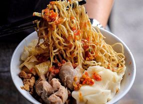 6 Tempat Makan Murah di Green Ville untuk Puaskan Perut