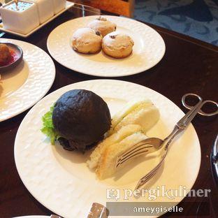 Foto 2 - Makanan di The Writers Bar - Raffles Jakarta Hotel oleh Hungry Mommy