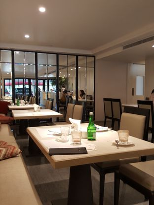 Foto 10 - Interior di Cafe Gratify oleh Stallone Tjia (@Stallonation)