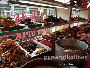 Foto 9 - Interior di Nasi Kapau Uni Upik oleh Asiong Lie @makanajadah