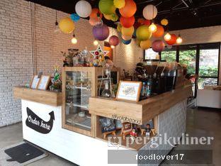 Foto 7 - Interior di Kaffeine Kline oleh Sillyoldbear.id