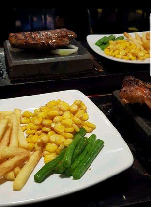 Foto 2 - Makanan di Street Steak oleh heiyika